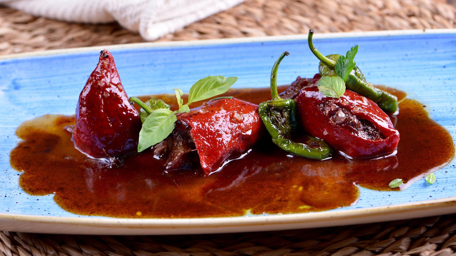 C Cocina Cocinamos Contigo | Pimientos Del Piquillo Rellenos De Rabo De Toro Con Cebolla
