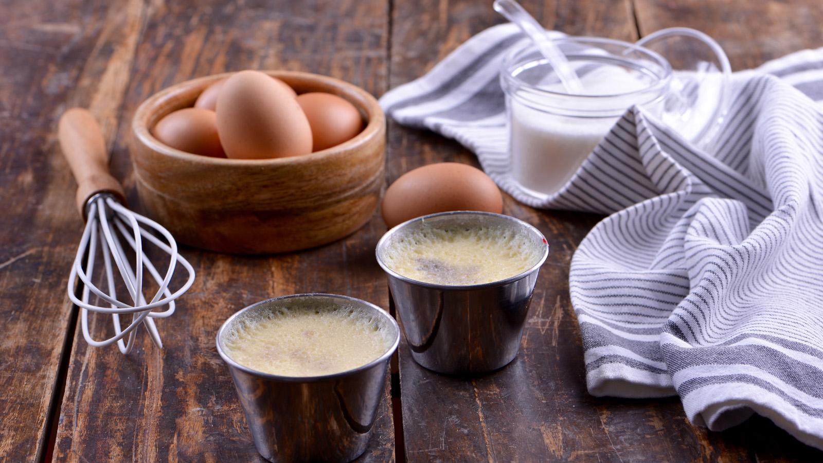Flan de huevo con bizcocho cerezas y hierbabuena sergio for Cocina con sergio bizcocho