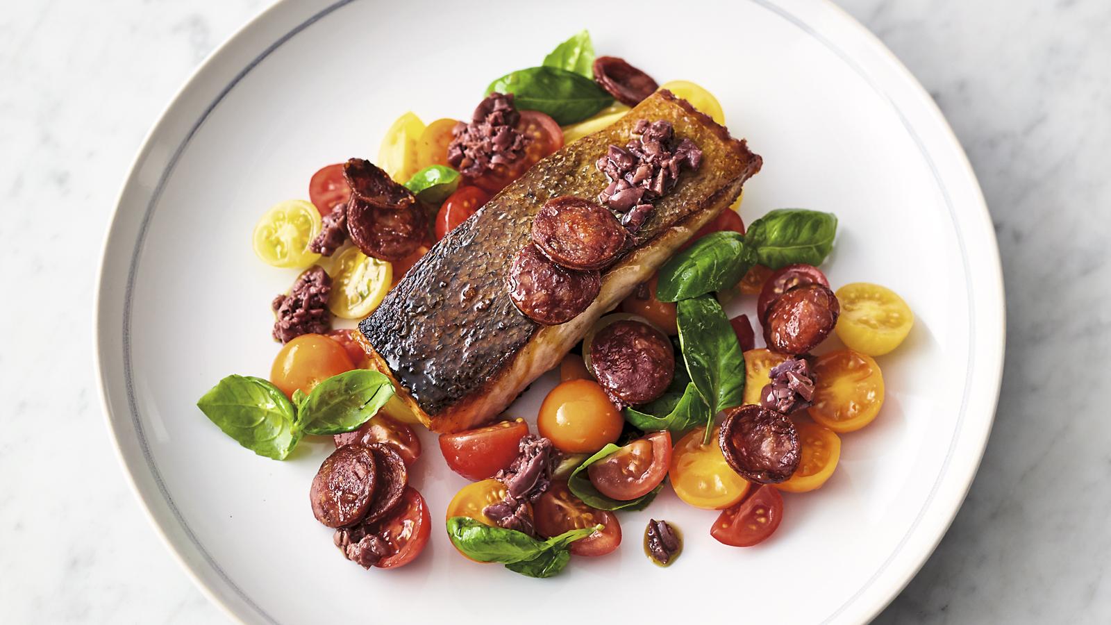 Salm n con chorizo smokin chorizo salmon jamie oliver for Cocina de jamie oliver