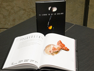 El libro 10 de la cocina re ne los mejores platos que for Los mejores libros de cocina