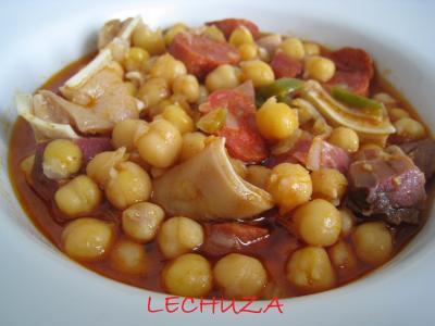 Garbanzos Con Oreja De Cerdo Y Chorizo