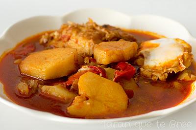 Patatas con bacalao y huevo escalfado bree receta - Patatas en caldo con bacalao ...