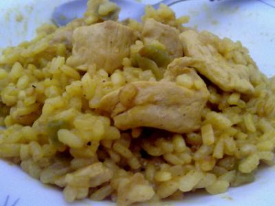 arroz con pollo y curry
