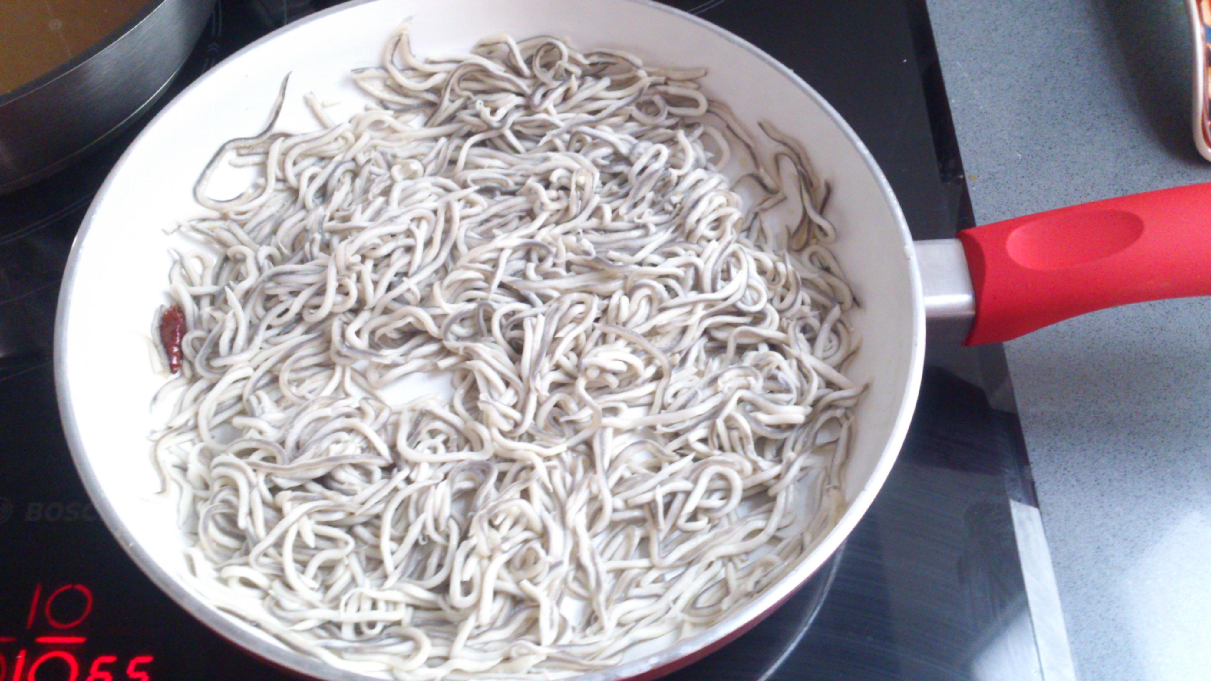 Como Cocinar Angulas | Montaditos De Calabacin Y Gulas Cocinapbv Receta Canal Cocina