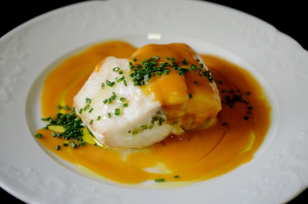 Merluza rellena con salsa de erizos de mar el posti for Como se cocina el seitan