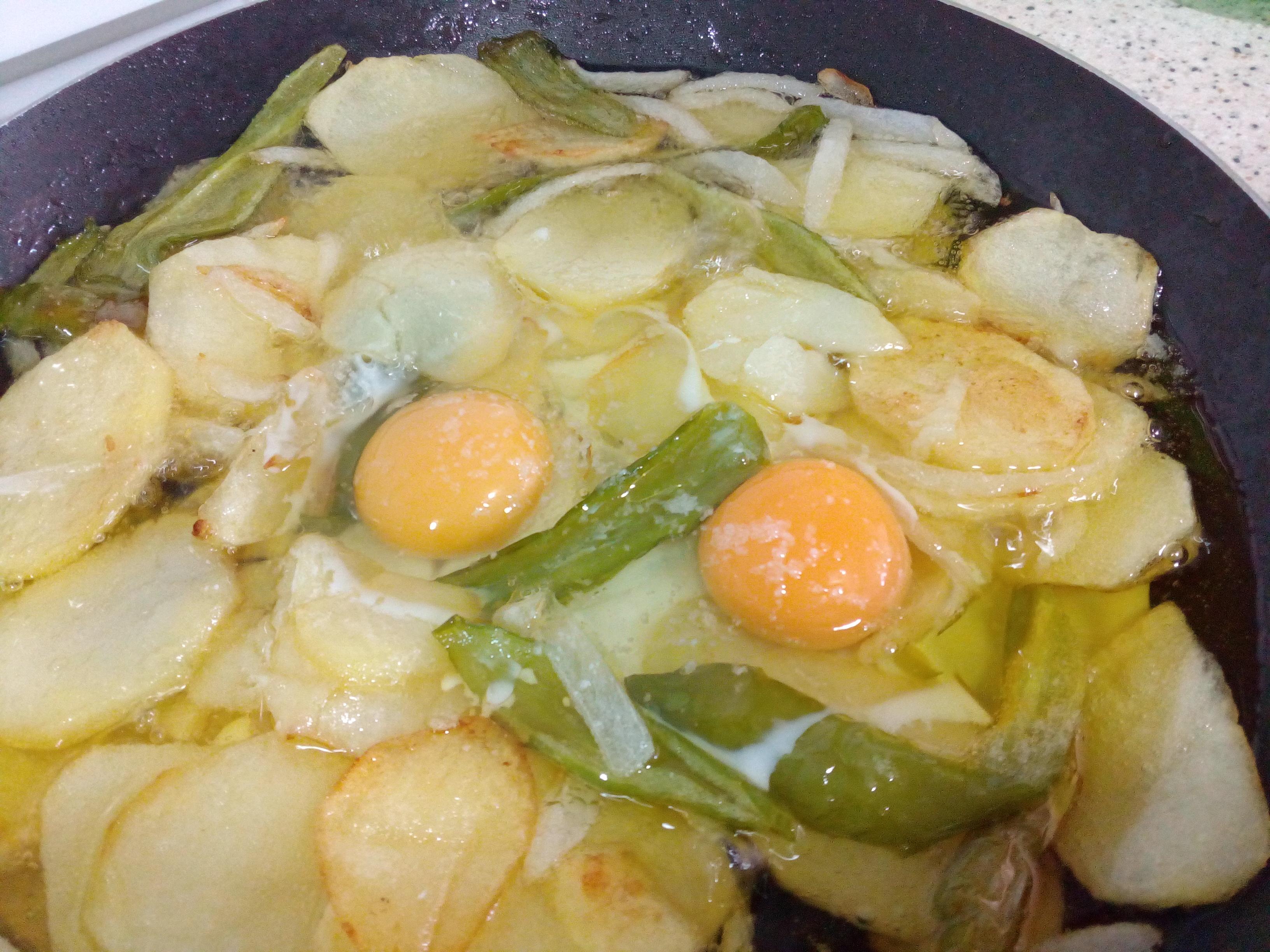 Patatas A Lo Pobre Con Huevos Rotos Receta Canal Cocina