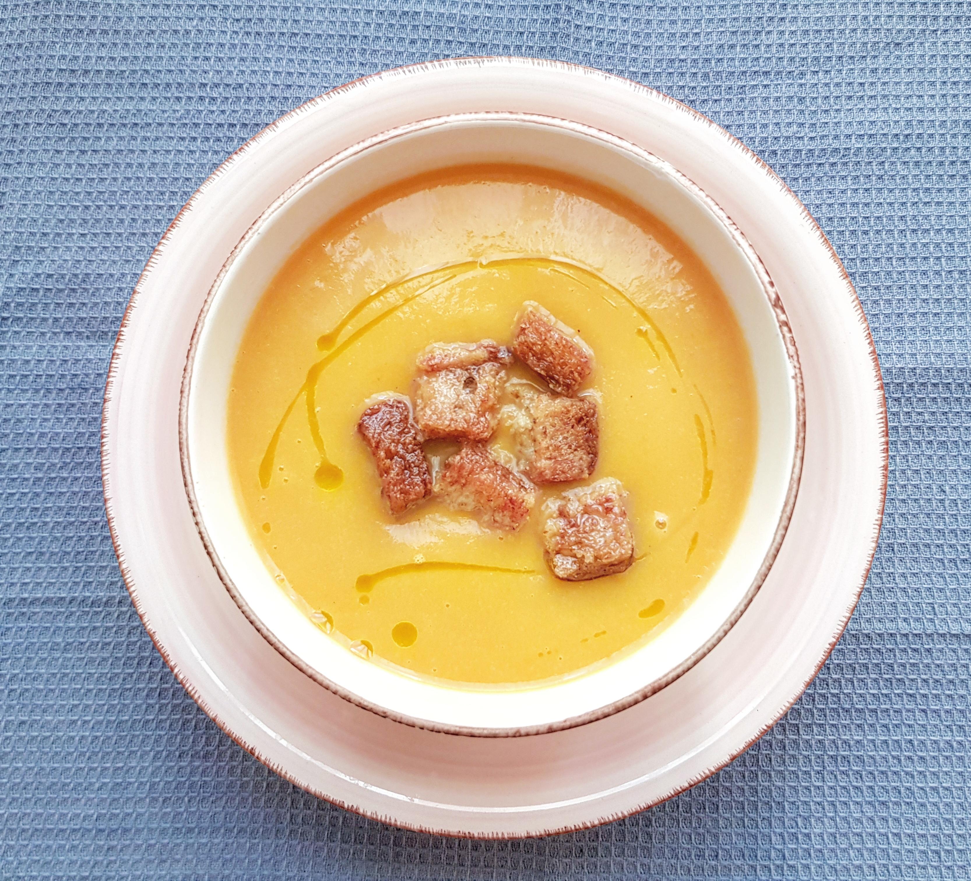 Crema De Zanahoria Con Picatostes